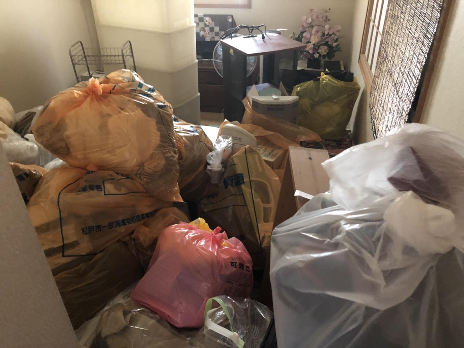 衣類、その他の不用品の回収前