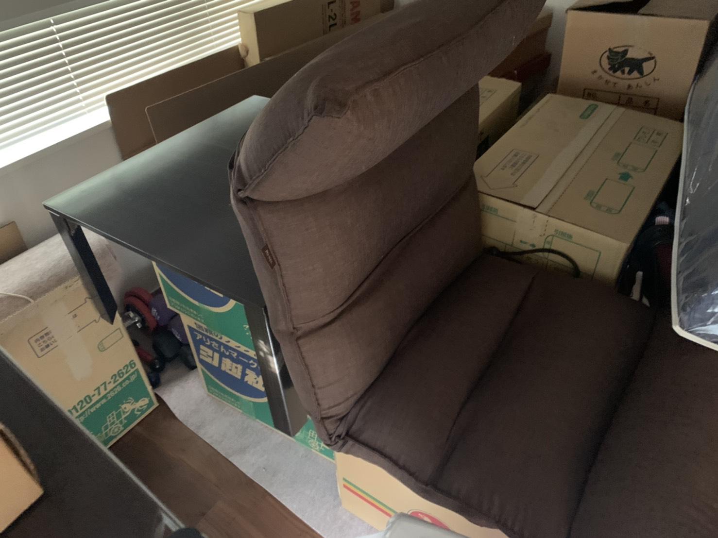 座椅子、テーブルの回収前