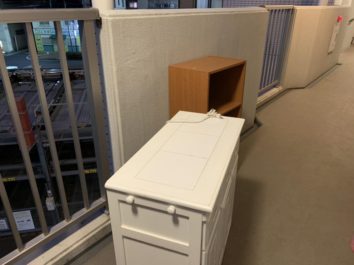 キッチンカウンター、カラーボックスの回収前