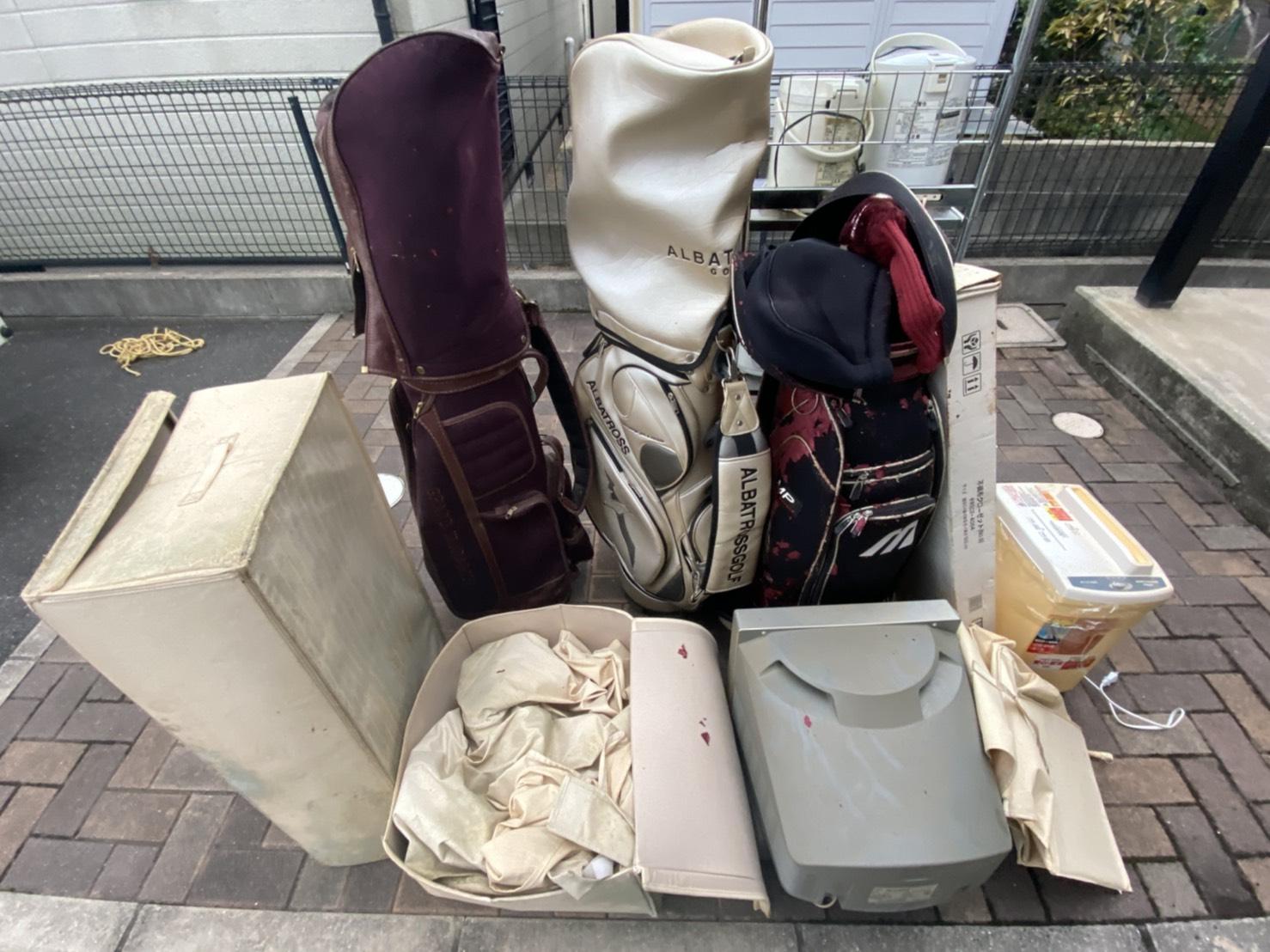 ゴルフバッグや収納ケースの回収前