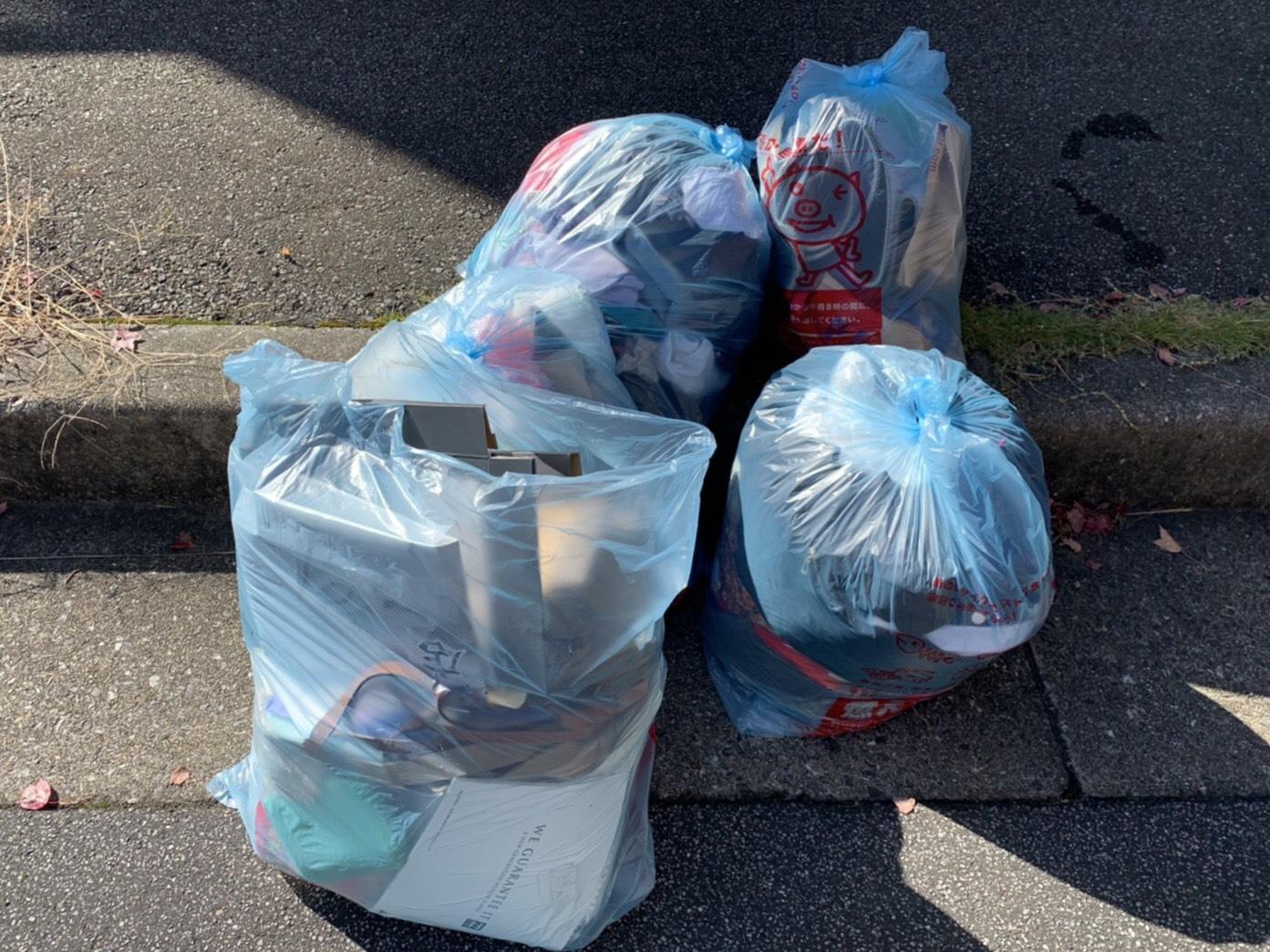衣類などの不用品の回収前