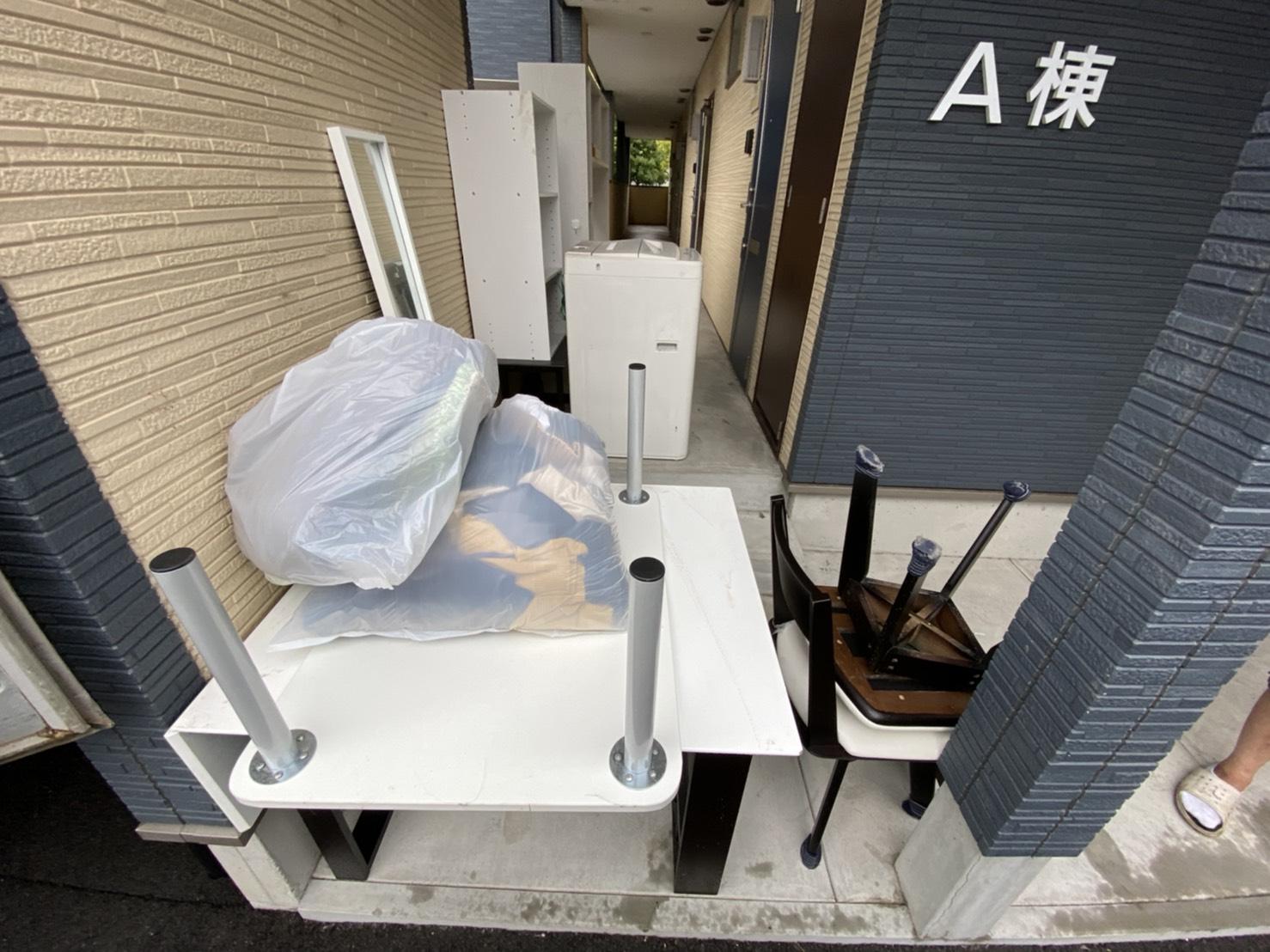 テーブル、イス、洗濯機、その他不用品の回収前