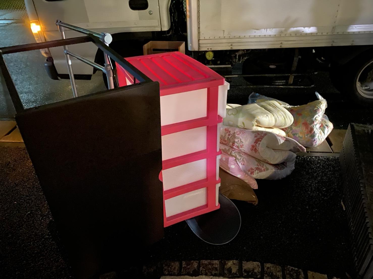 収納ケース、布団の回収前