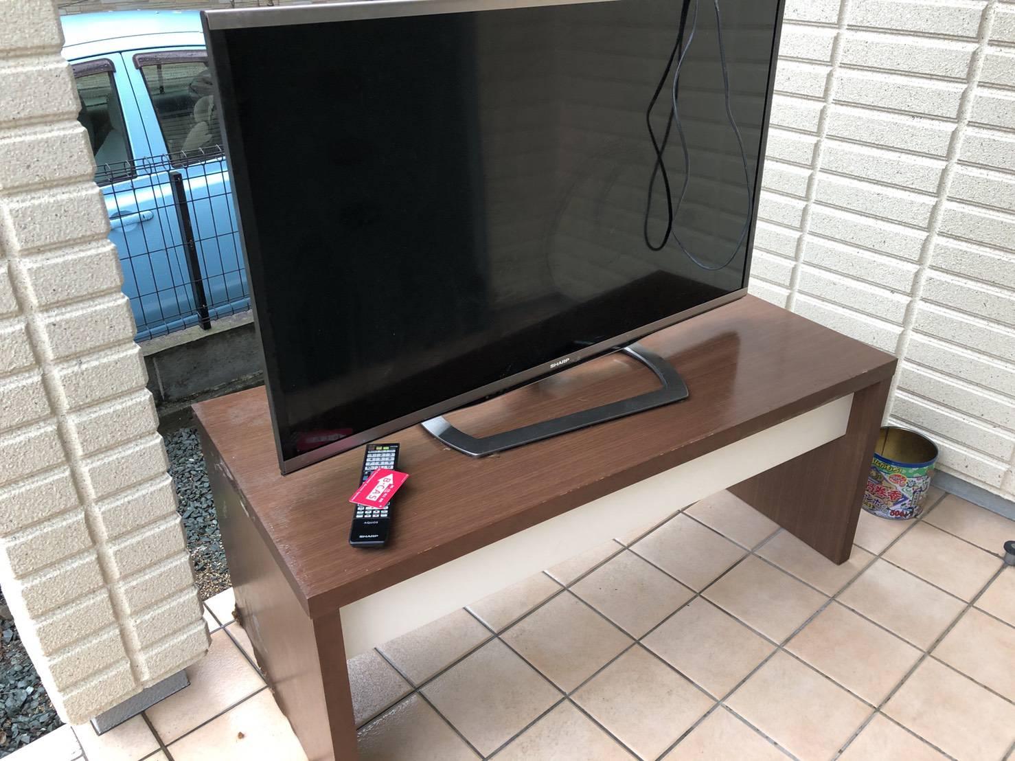 テレビ、テレビ台の回収前