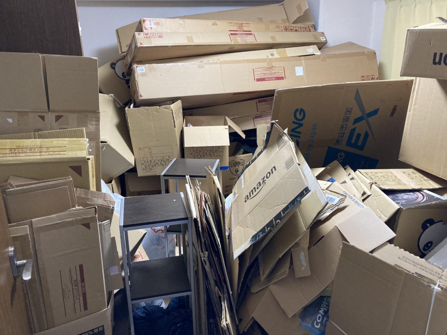 収納棚などの不用品の回収前