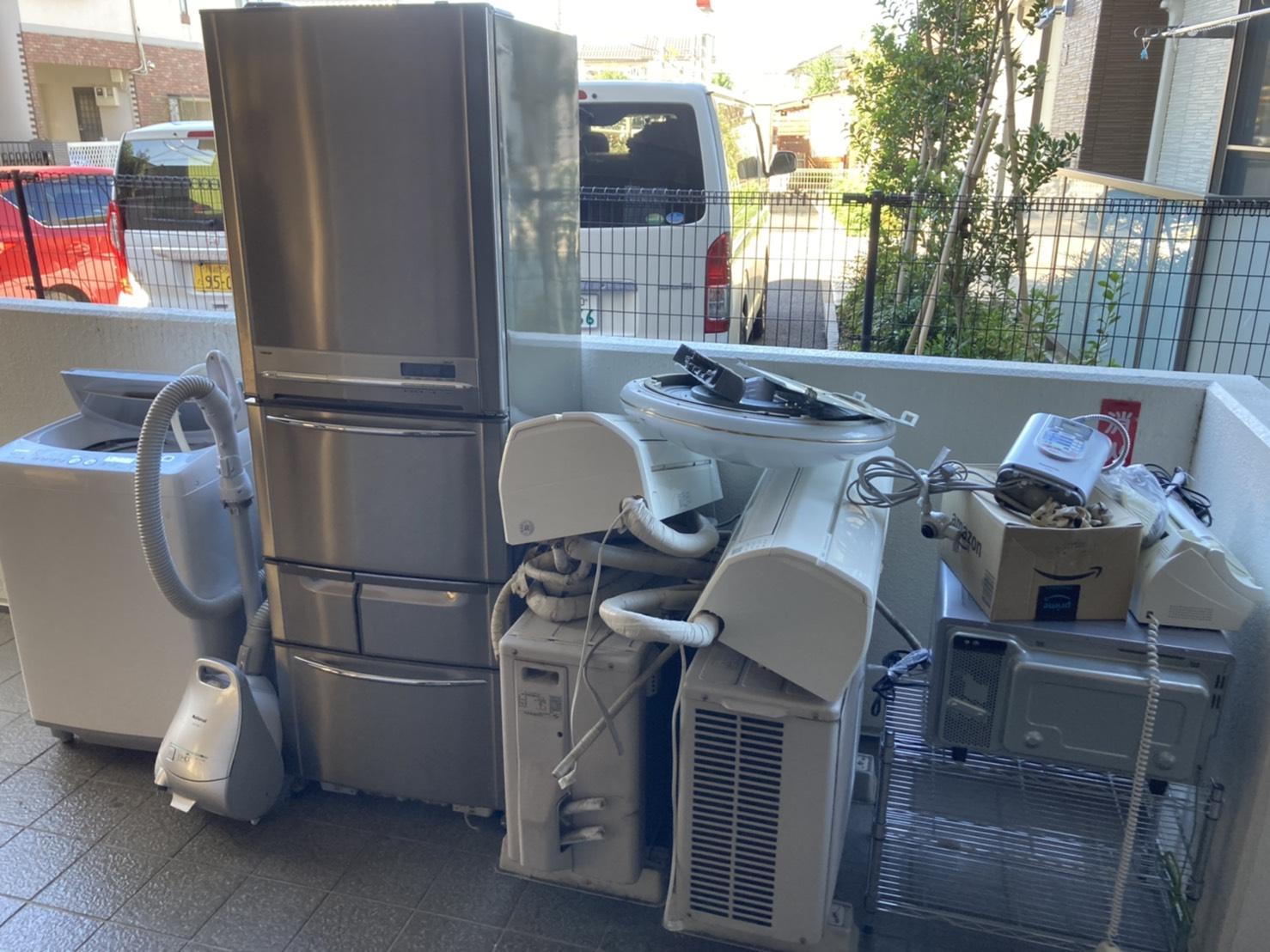 洗濯機、掃除機、エアコン、室外機、冷蔵庫、レンジの回収前