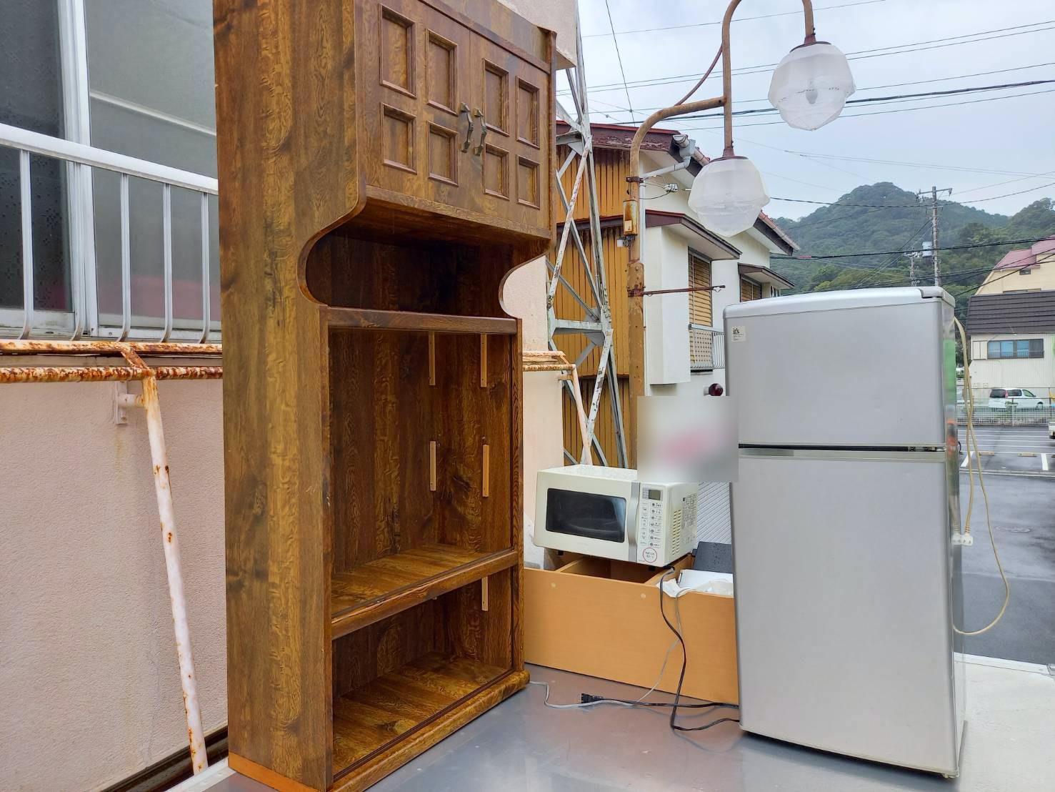 冷蔵庫、電子レンジ、棚の回収前