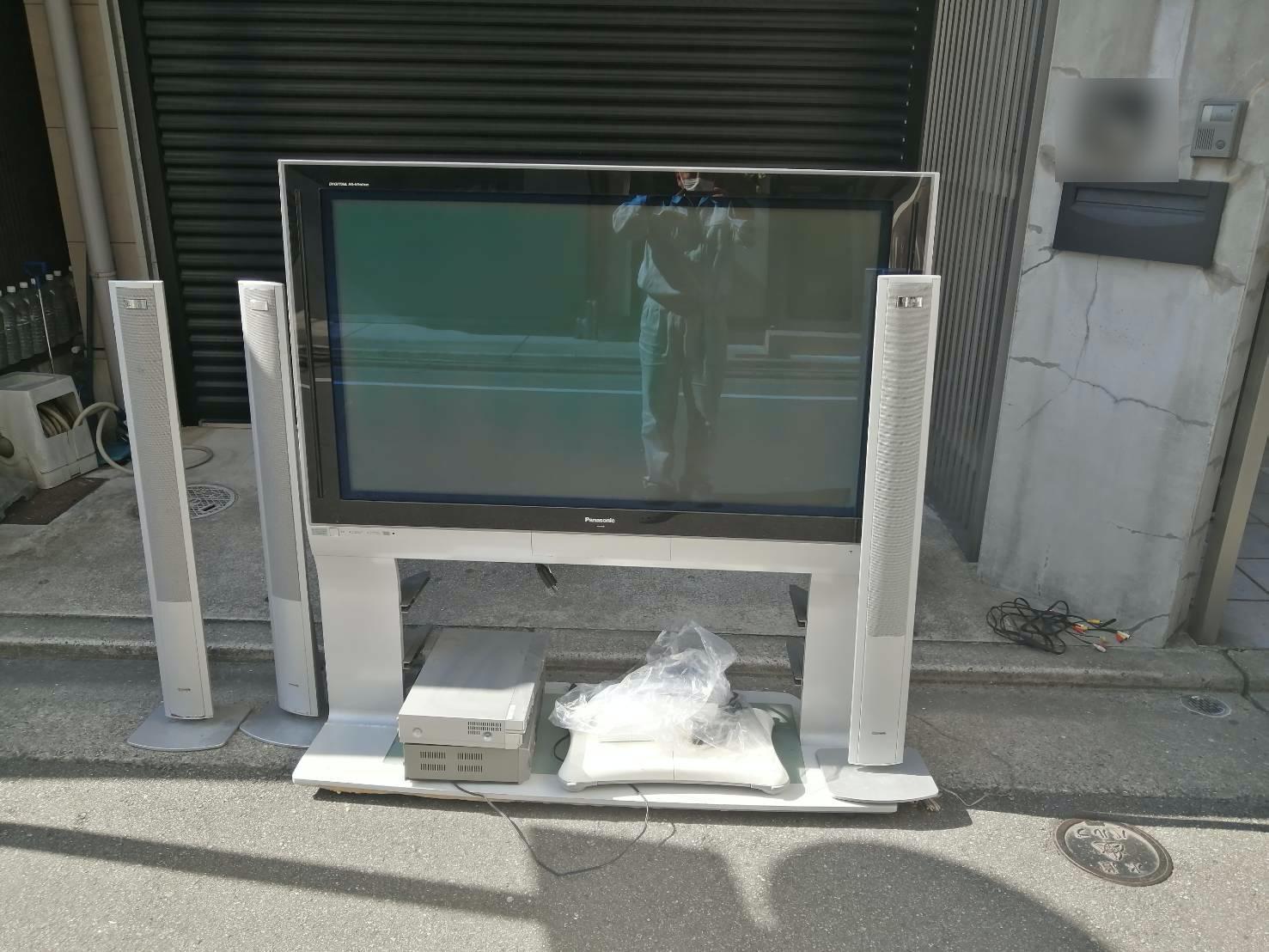テレビ、スピーカーの回収前