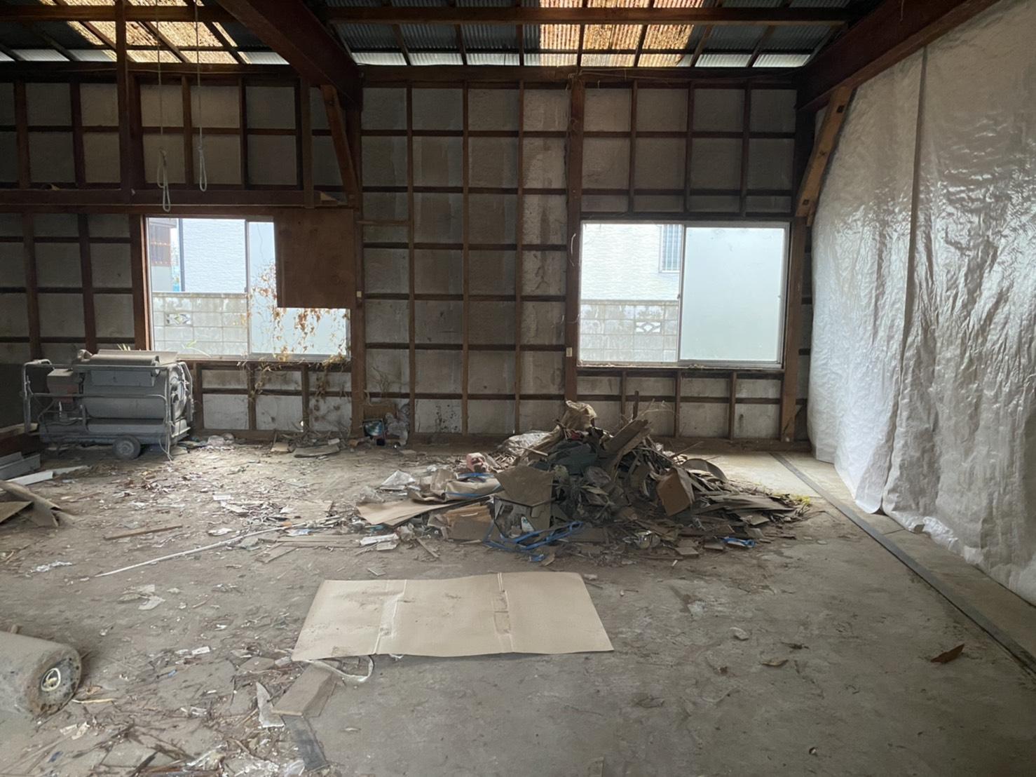 収納棚、作業台、その他不用品の回収後