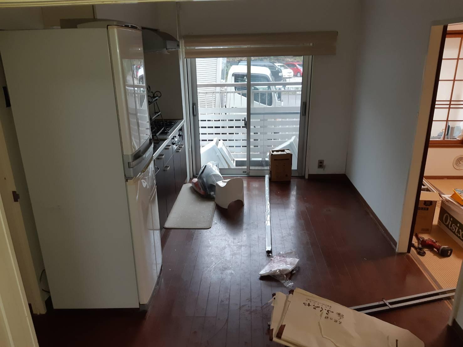 冷蔵庫、小物の回収前