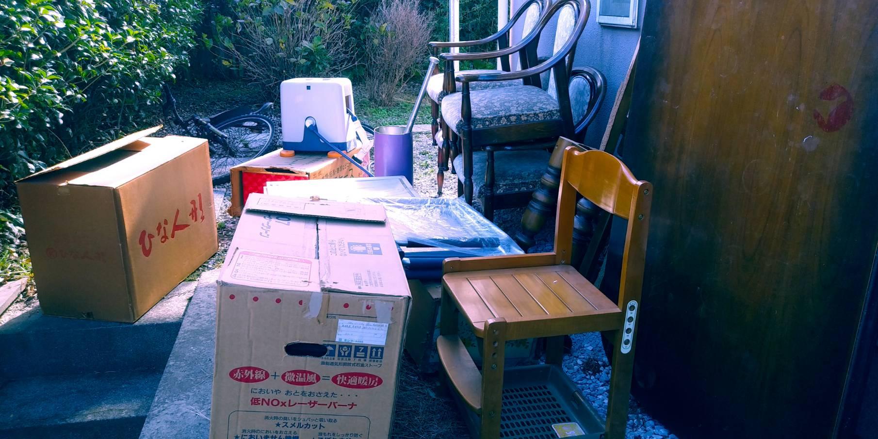 洗浄機、椅子、その他不用品の回収前