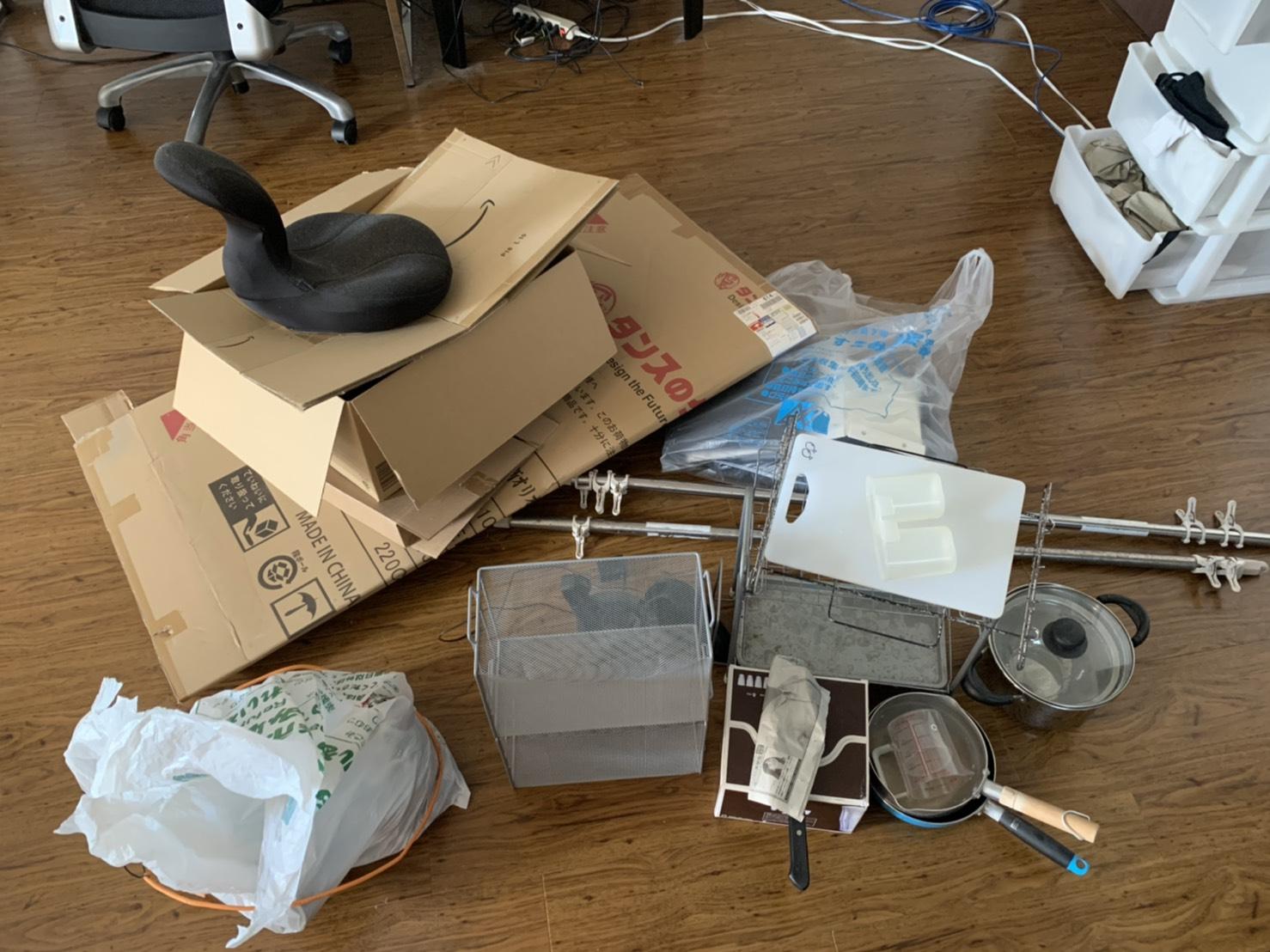 料理器具、座椅子の回収前
