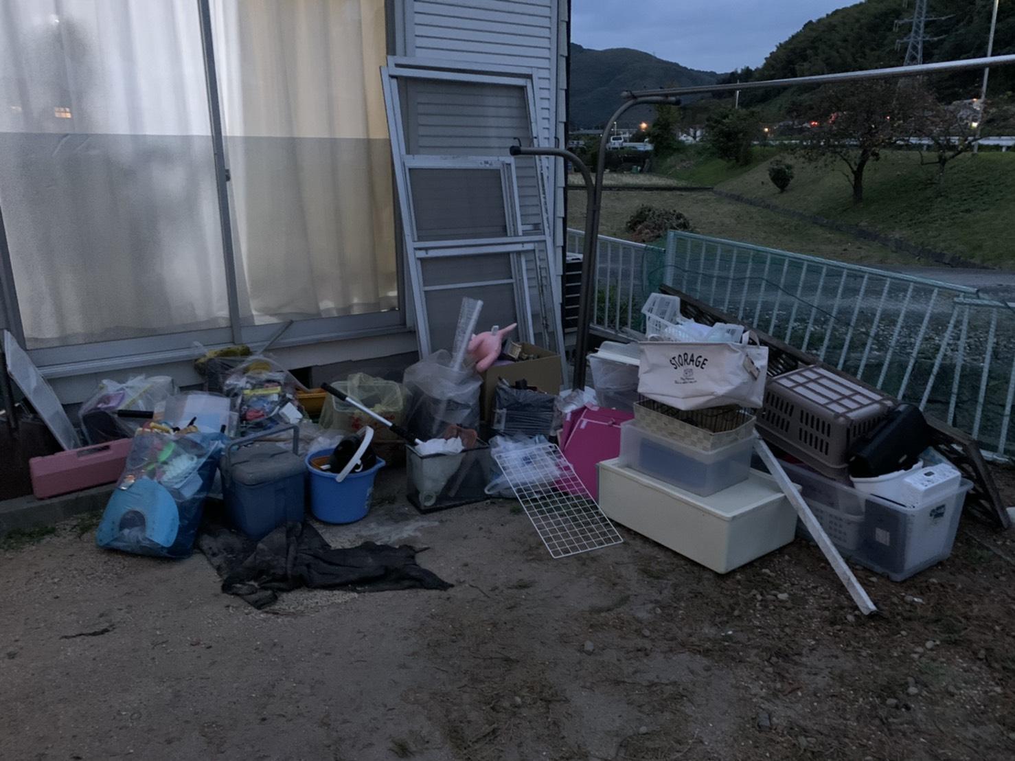 収納ケースなどの不用品の回収前
