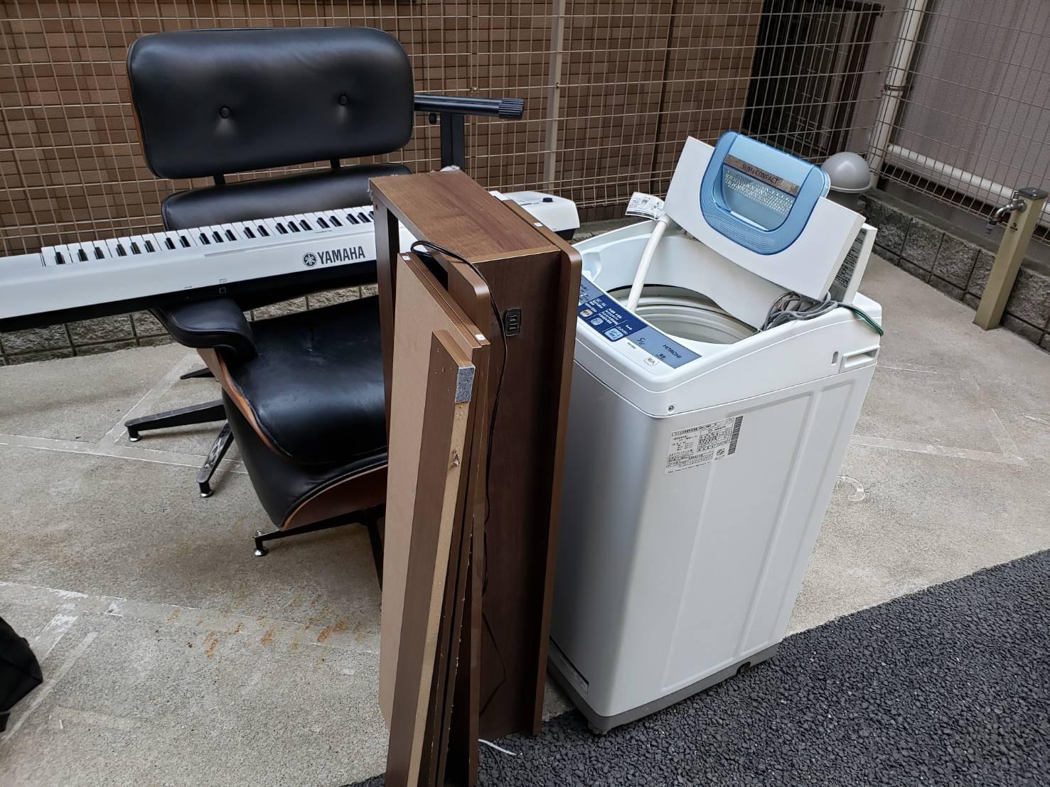 楽器、洗濯機、その他不用品の回収前