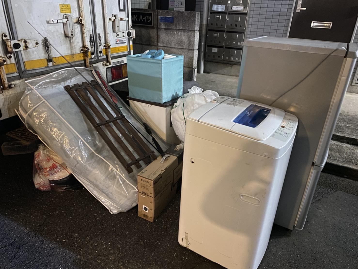 洗濯機、冷蔵庫、布団などの不用品の回収前