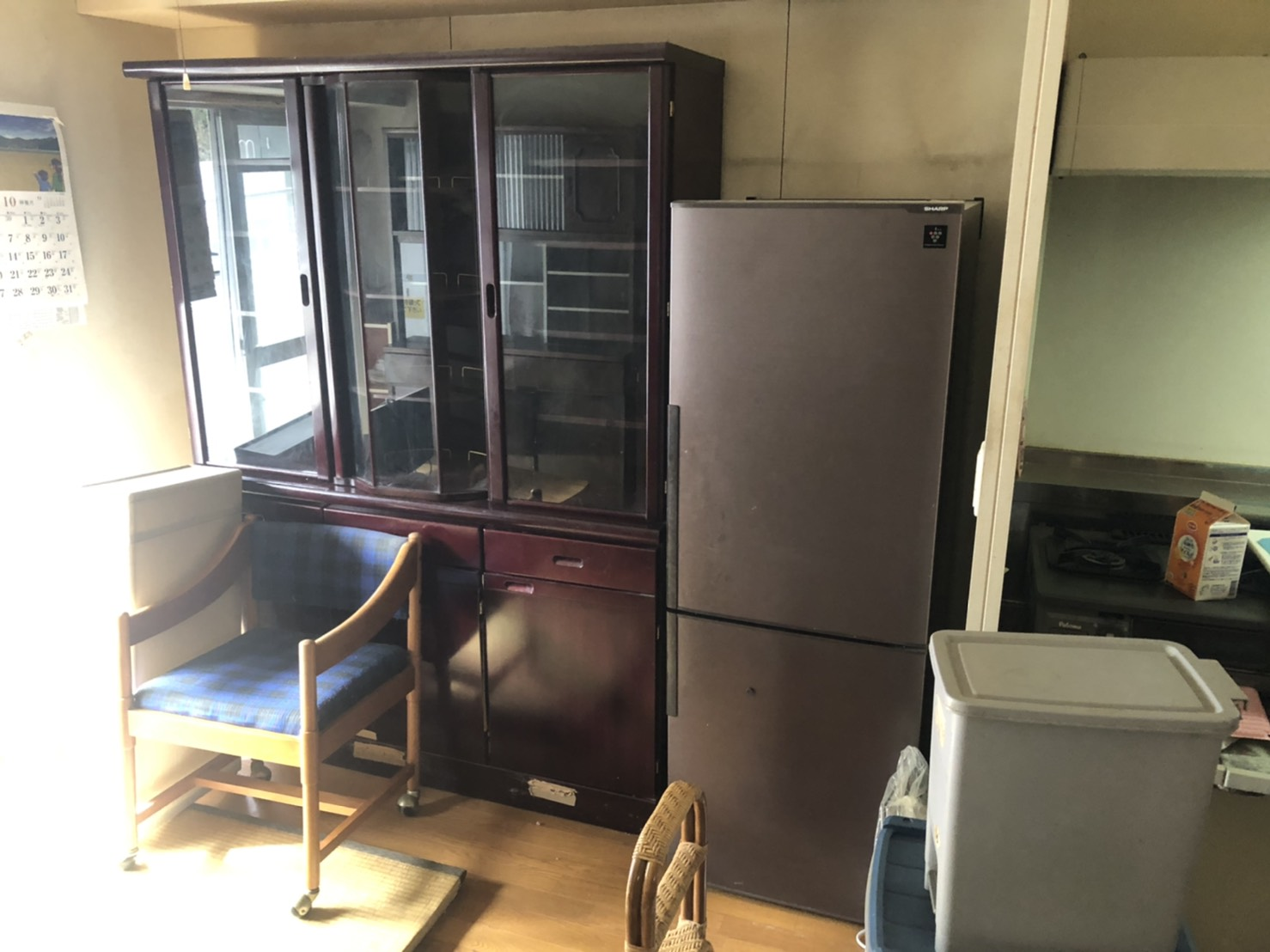 食器棚、冷蔵庫、その他不用品の回収前