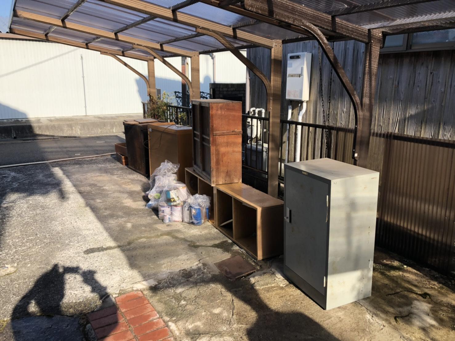 戸棚、ロッカー、その他不用品の回収前