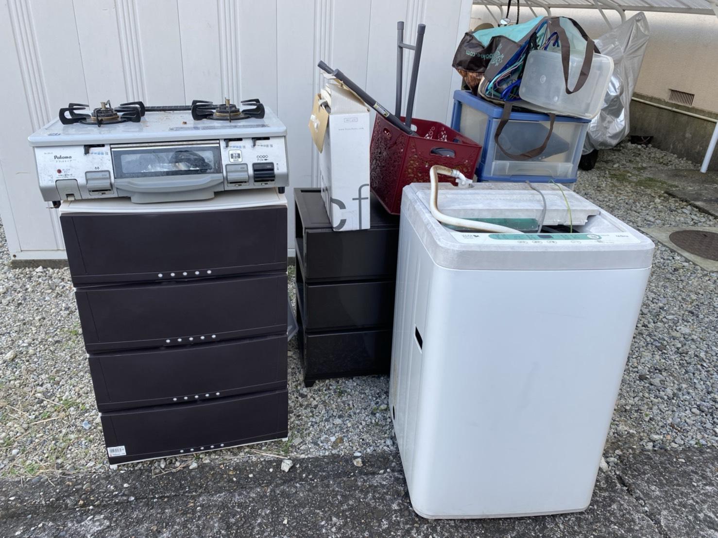 ガスコンロ、洗濯機、タンスの回収前