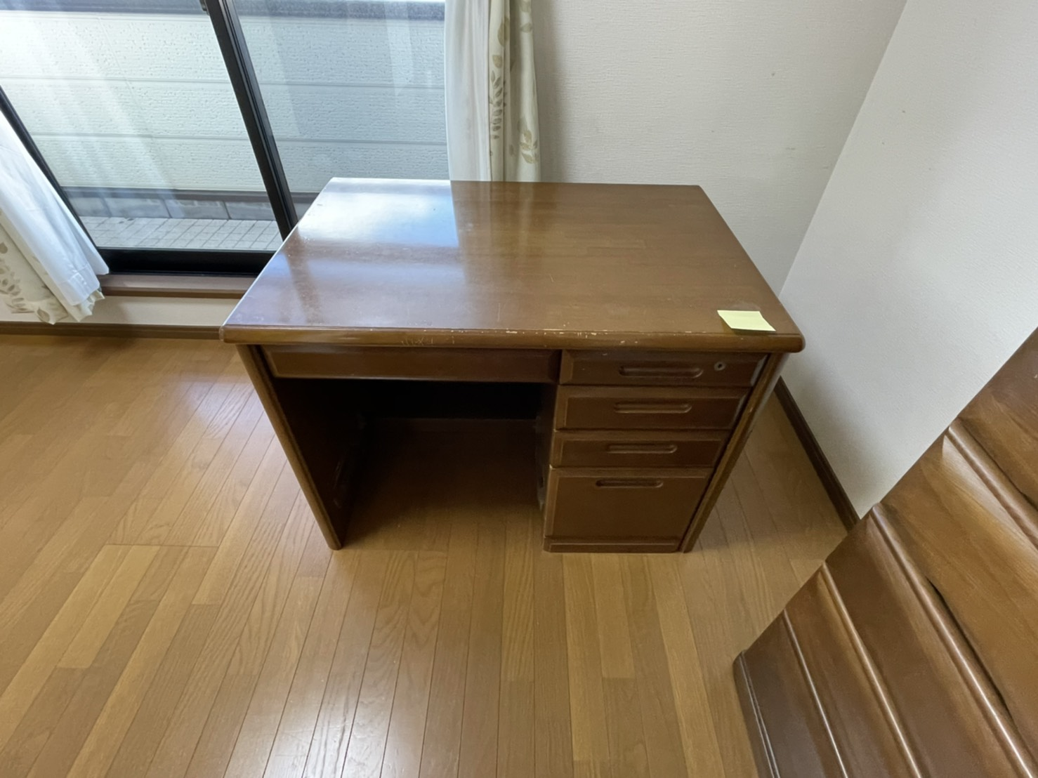 兵庫県西宮市の机の回収前