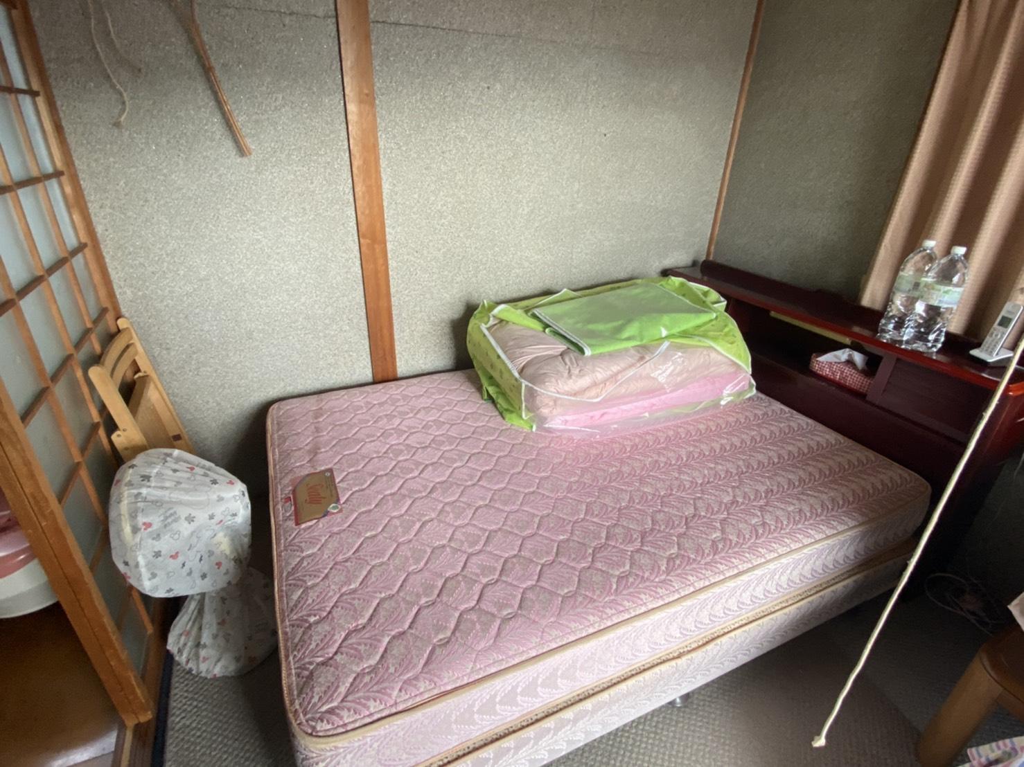 岡山県岡山市のマットレスの回収前