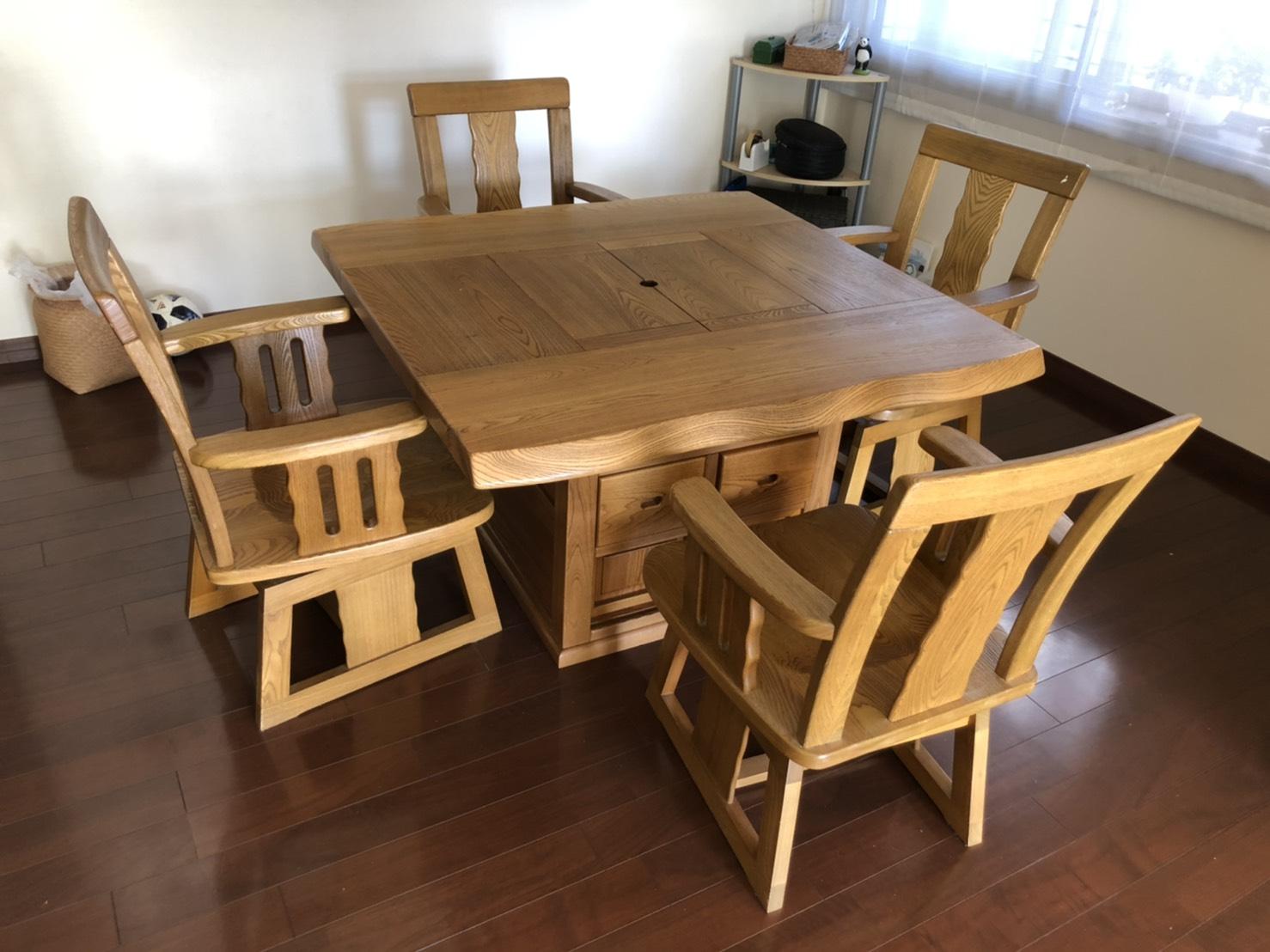 テーブル、椅子の回収前