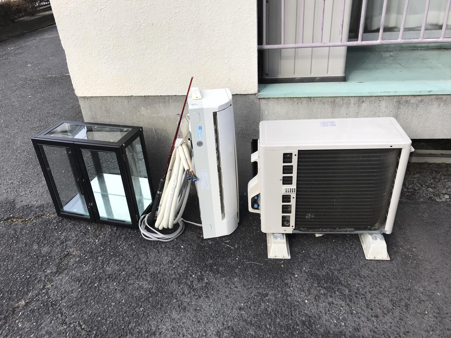 コレクションケース、エアコン、室外機の回収前