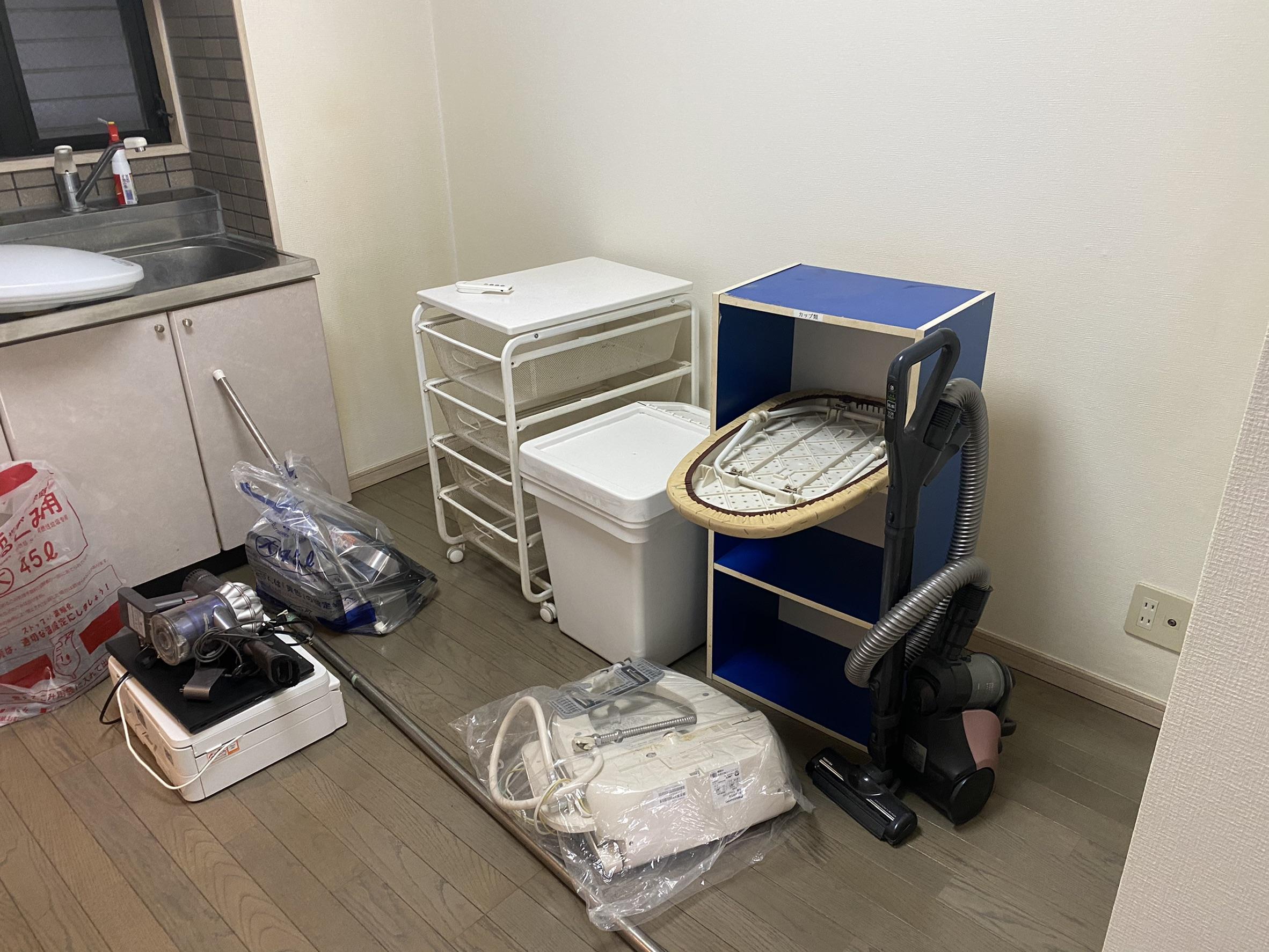 収納家具、小型家電の回収前