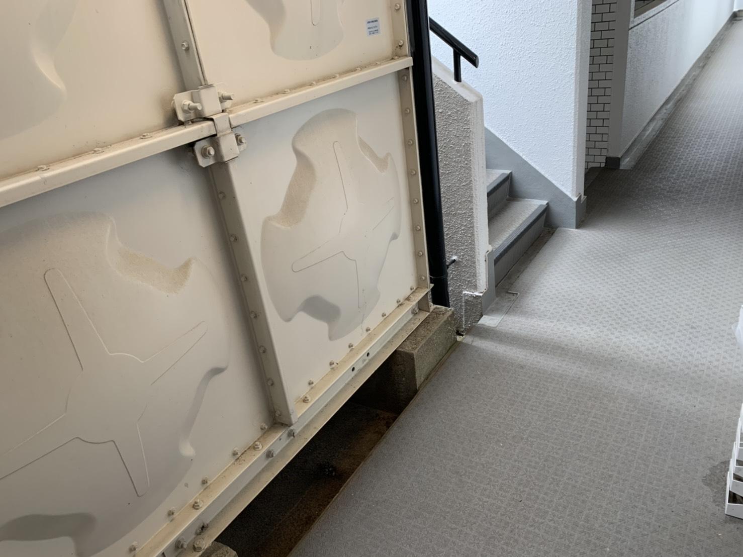 ガスコンロ、洗濯機、ローテーブル、布団の回収後