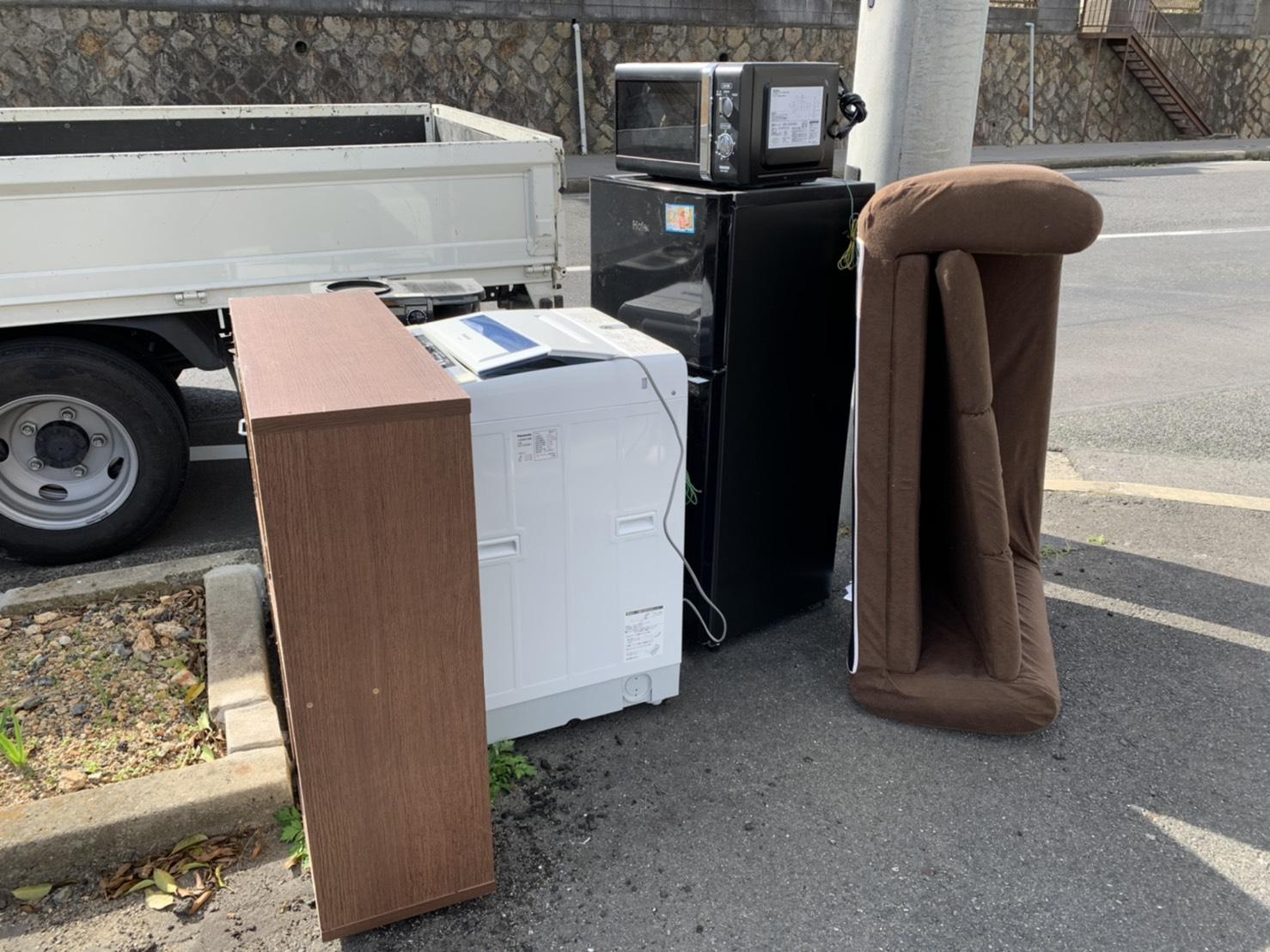 ソファ、冷蔵庫などの不用品の回収前