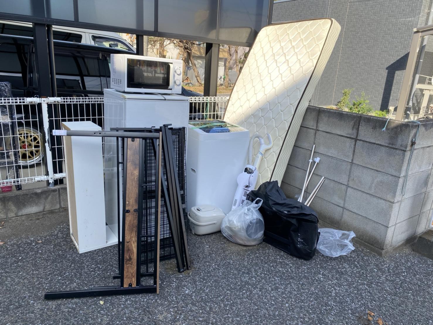 冷蔵庫、洗濯機、電子レンジなどの不用品の回収前