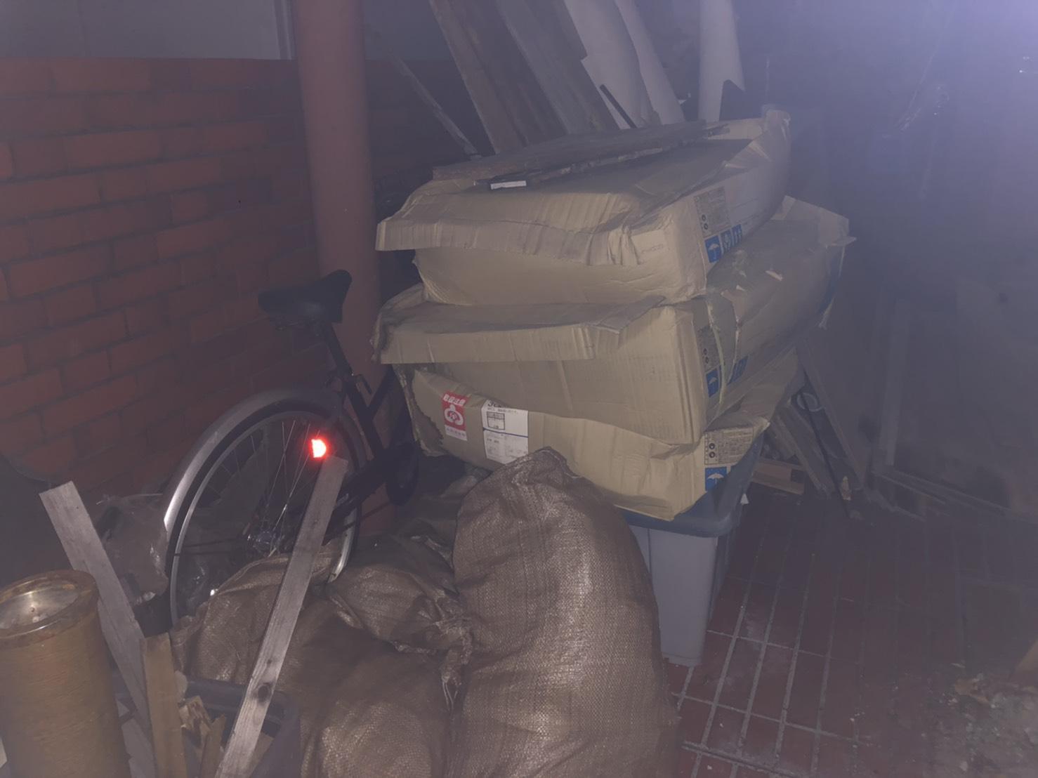 自転車、工具入れの回収前
