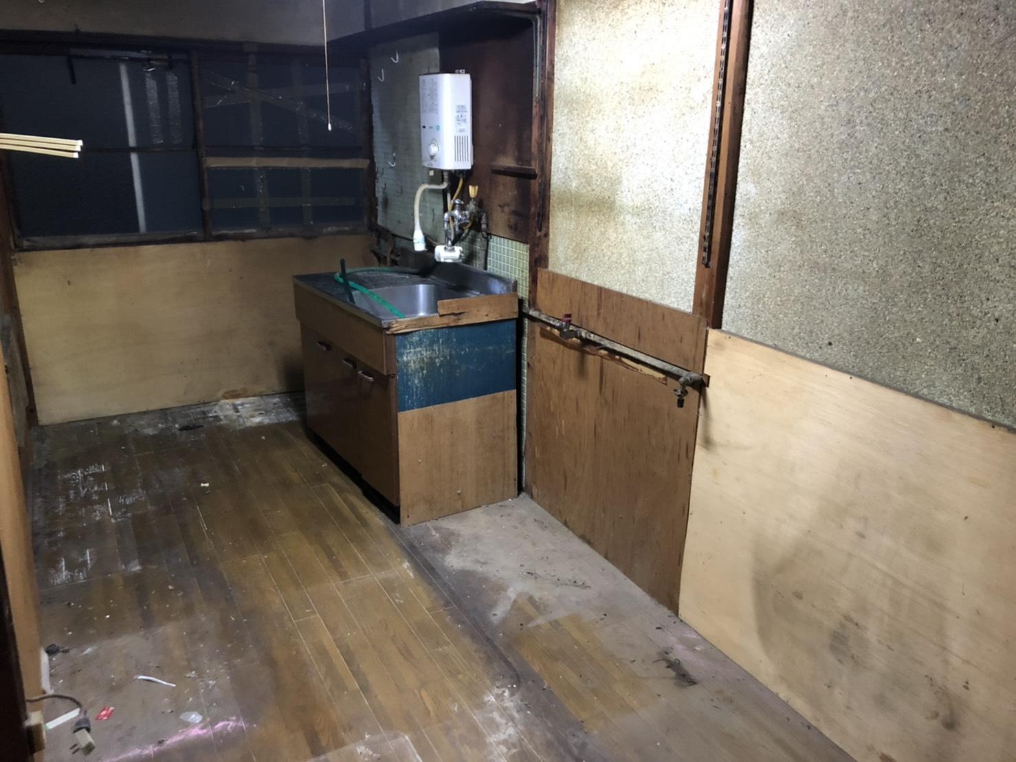 キッチン周辺の不用品の回収後