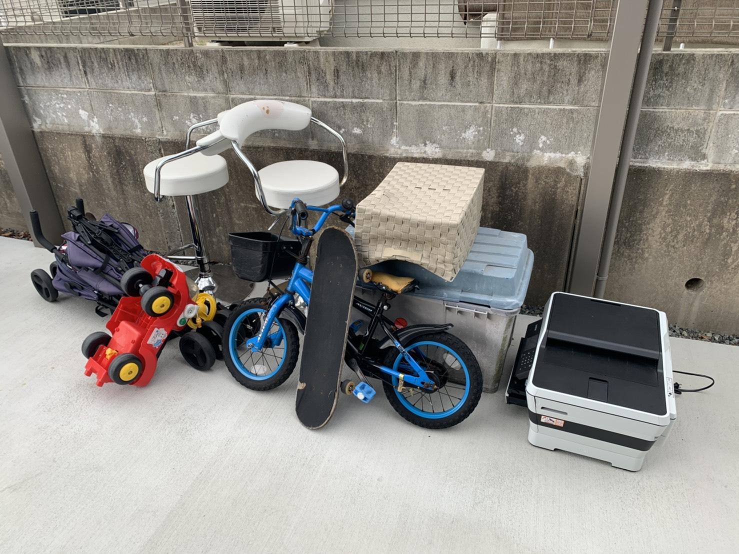 プリンター、小型自転車などの不用品の回収前