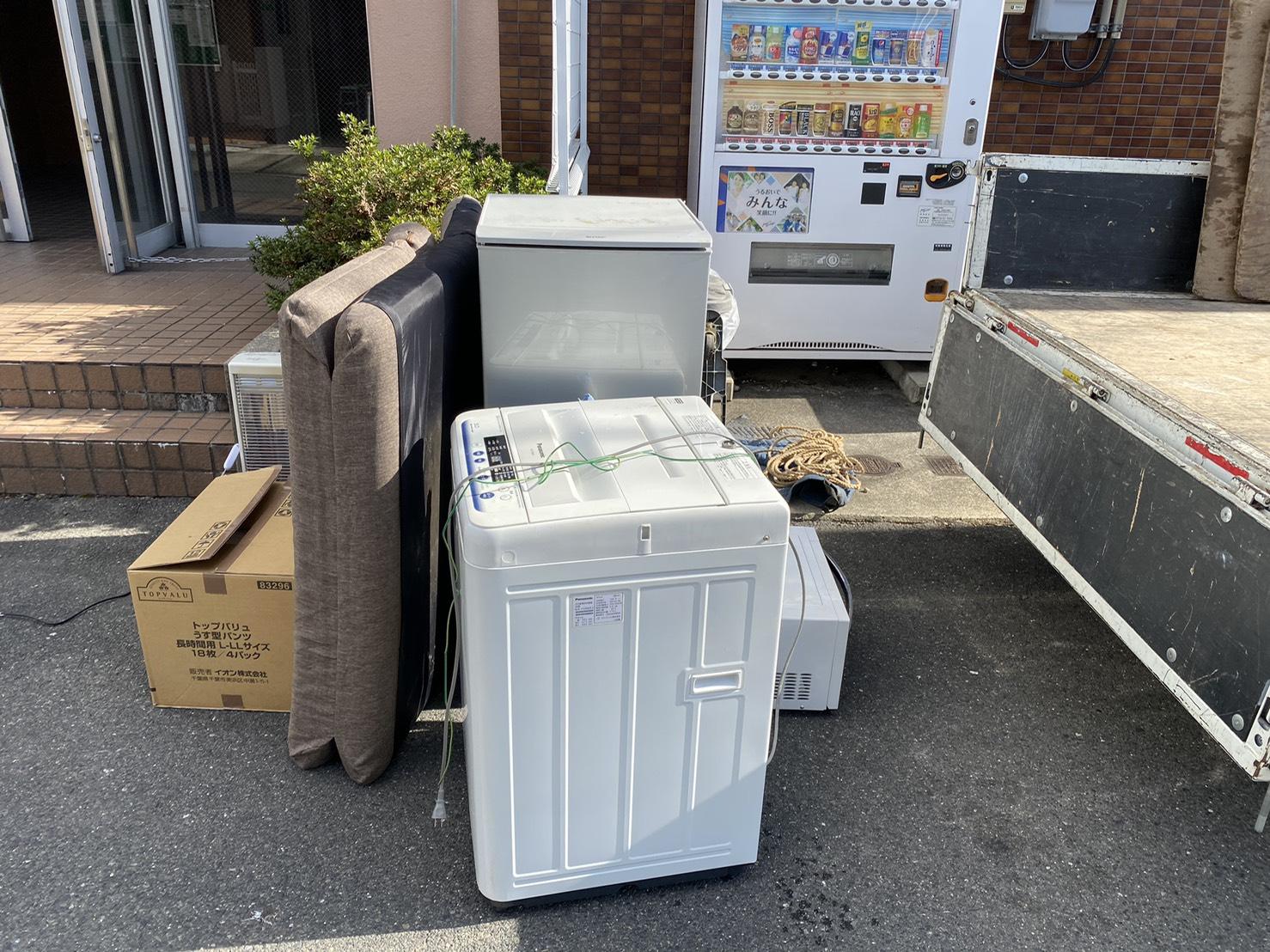 冷蔵庫、洗濯機などの不用品の回収前