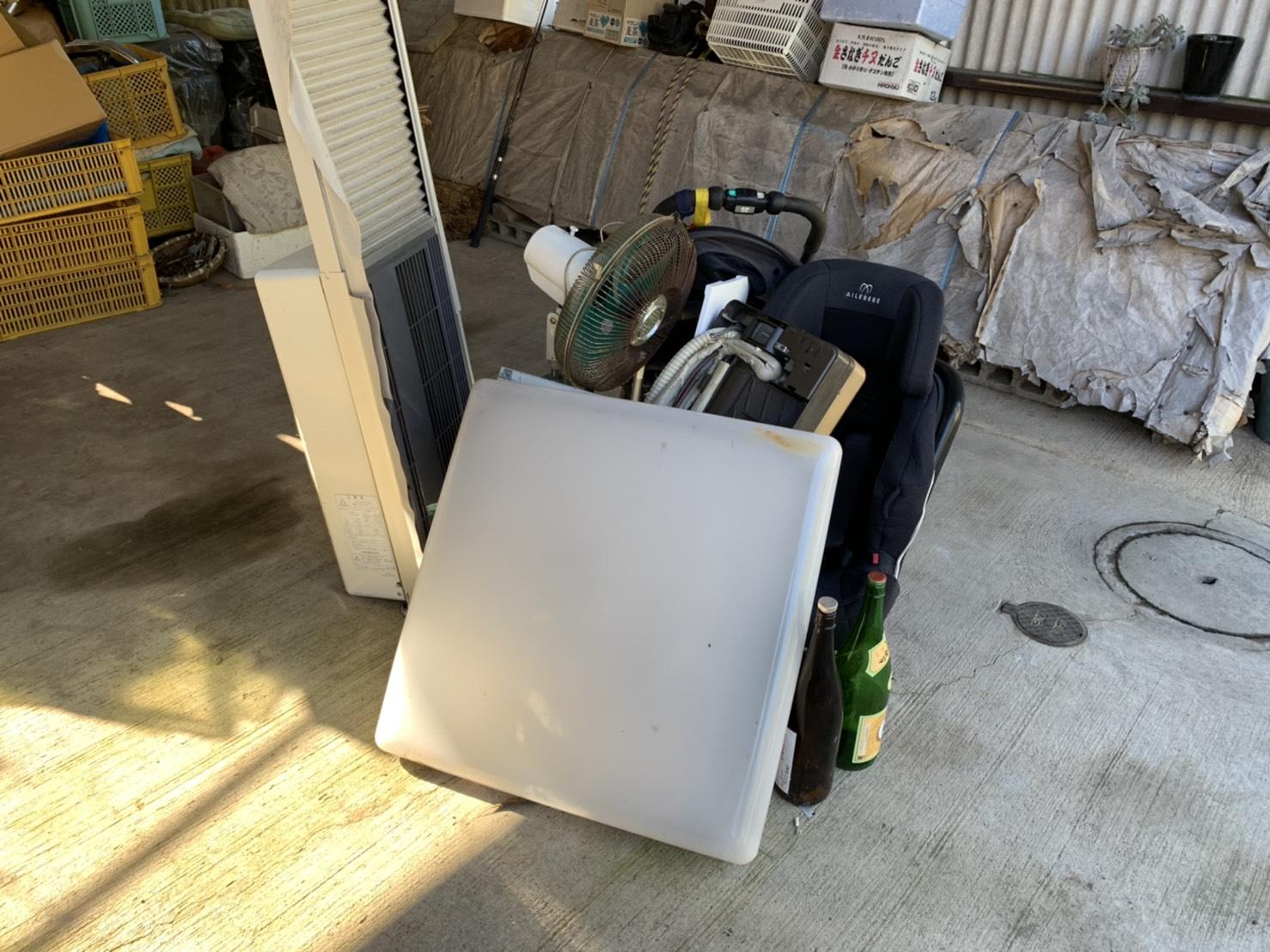 扇風機、ベビーカー、エアコンの回収前