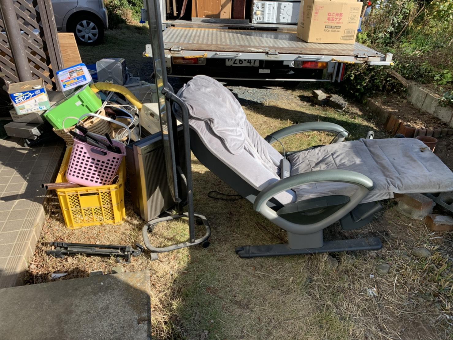 椅子、その他不用品の回収前