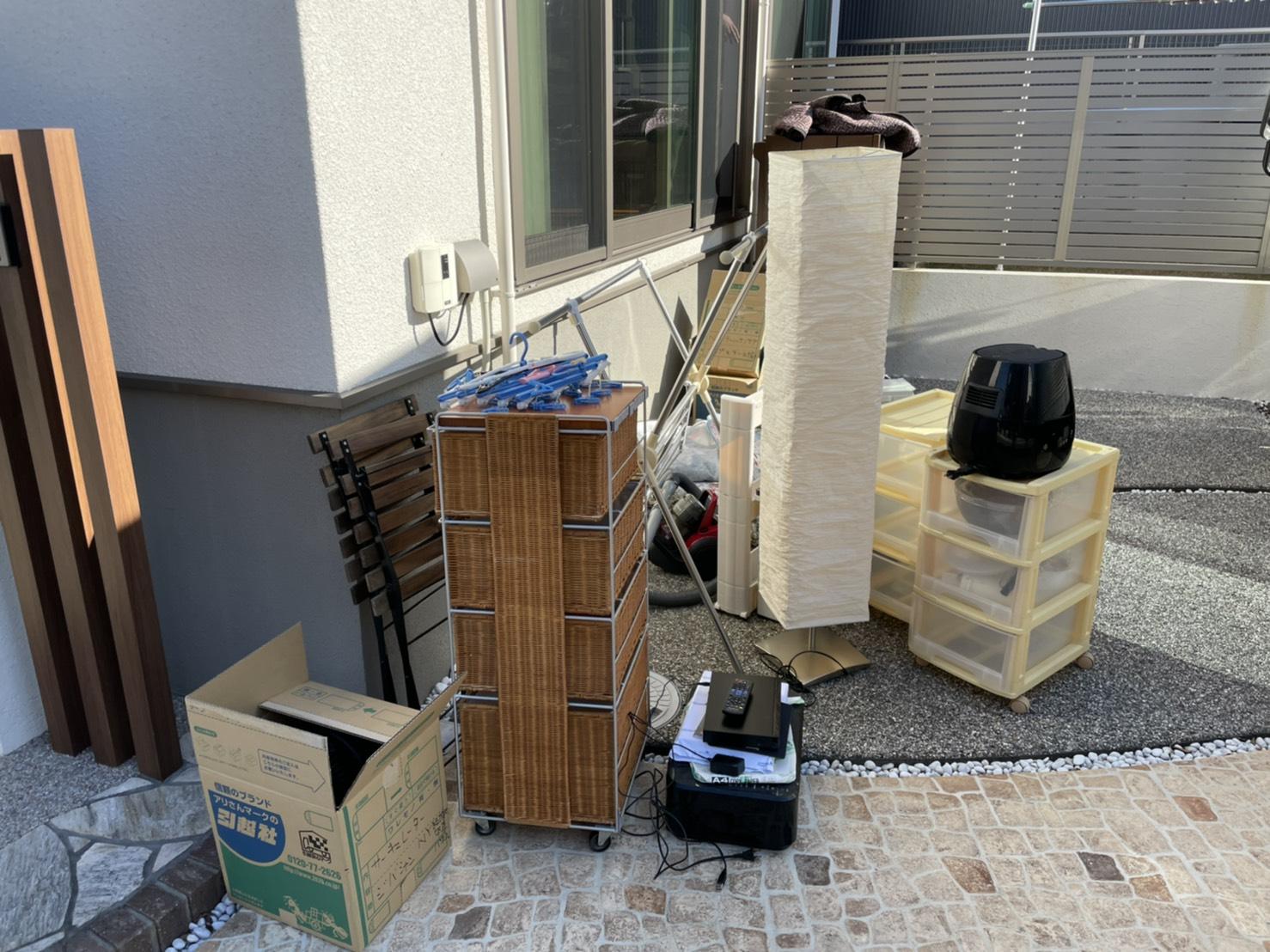 収納ケース、プリンターなどの不用品の回収前