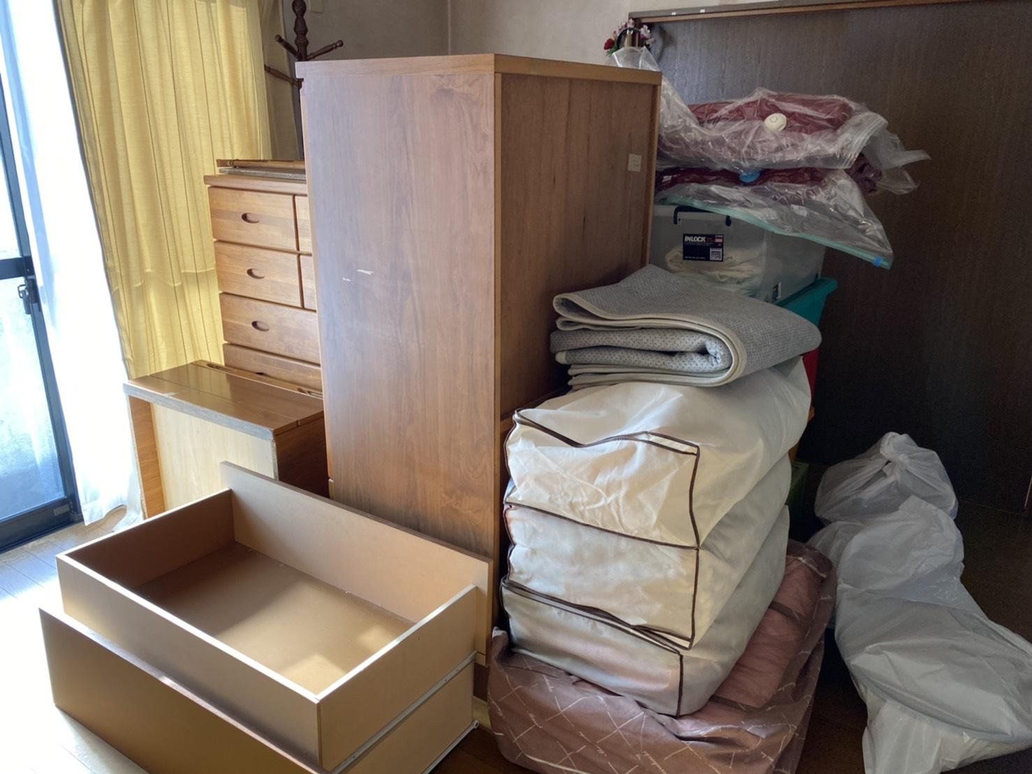布団、タンスなどの不用品の回収前