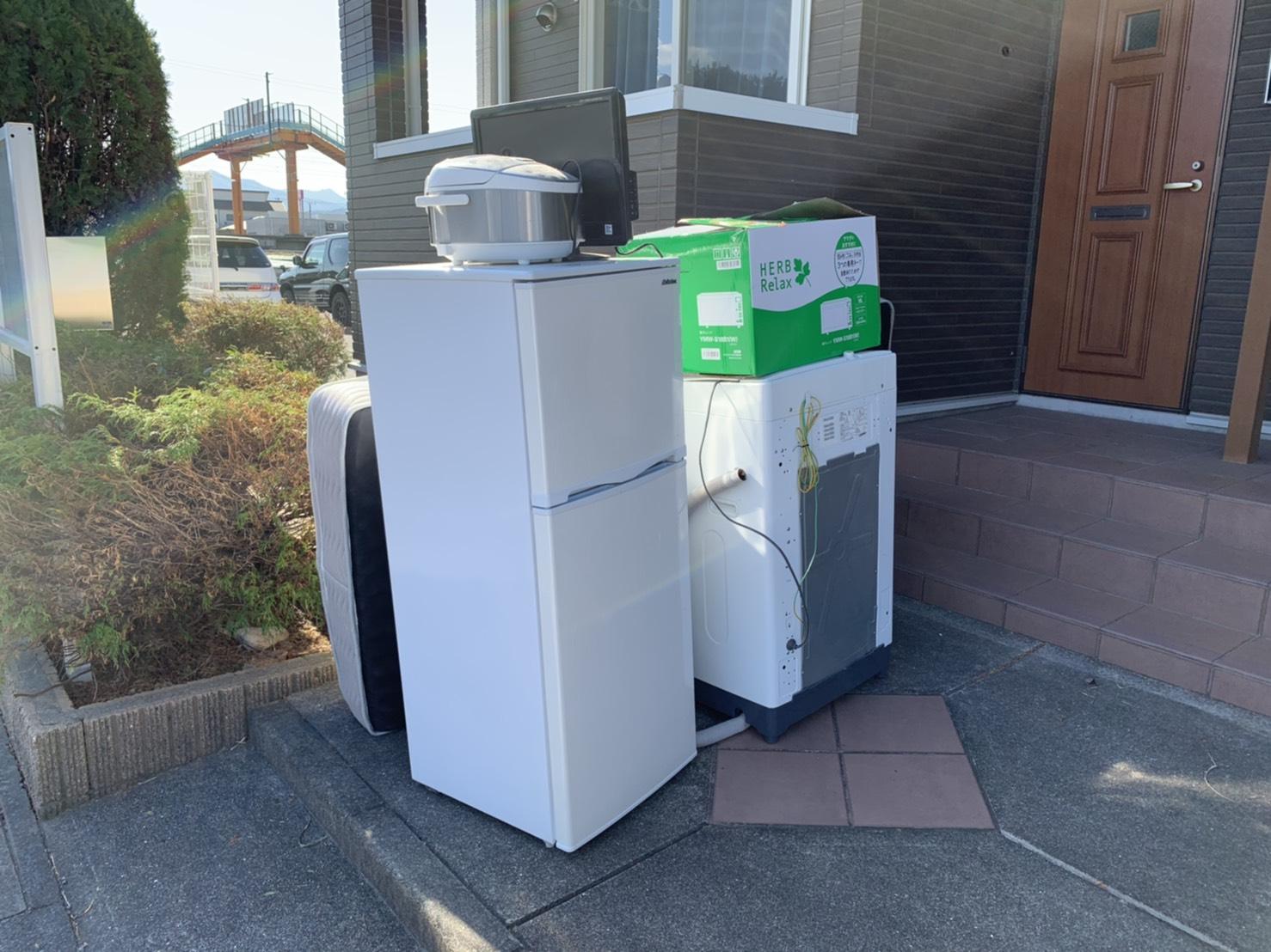 冷蔵庫、洗濯機、炊飯器、テレビ、マットレスの回収前